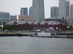 大桟橋から望む赤レンガ倉庫